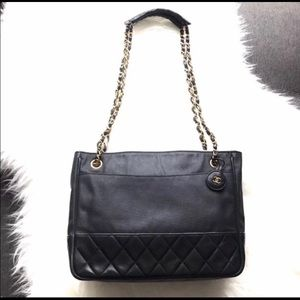 Auth Chanel quilted lambskin charm leather handbag